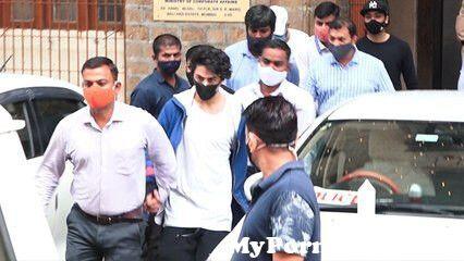 View Full Screen: aryan khan leaves ncb office to jj hospital for medical test 124 filmibeat.jpg