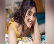 Shivangi Joshi's monthly salary will shock you. Lifestyle & Property.Watch the video to know more about this !<br/><br/>#ShivangiJoshi #YehRishtaKyaKehlataHai #ShivangiBirthday #ShivangiSalary